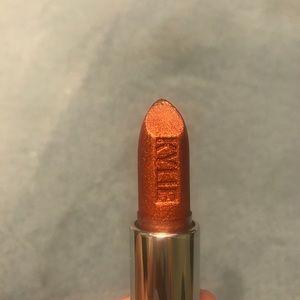 Kylie Cosmetics brrr metallic lipstick